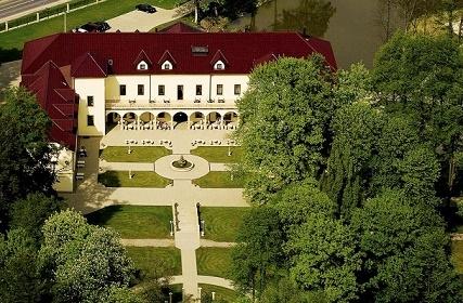 VIP GOLD : Zámecký pobyt v romantickém hotelu Chateau Kynšperk pro 2 osoby