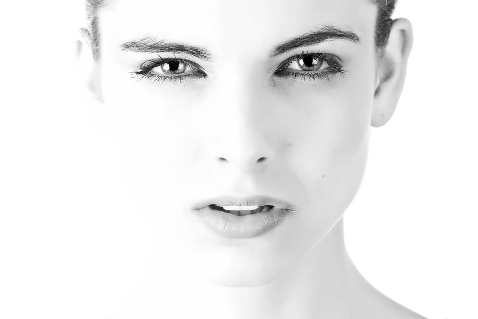 HIFUtherapy obličeje a krku včetně diamantové mikrodermabraze