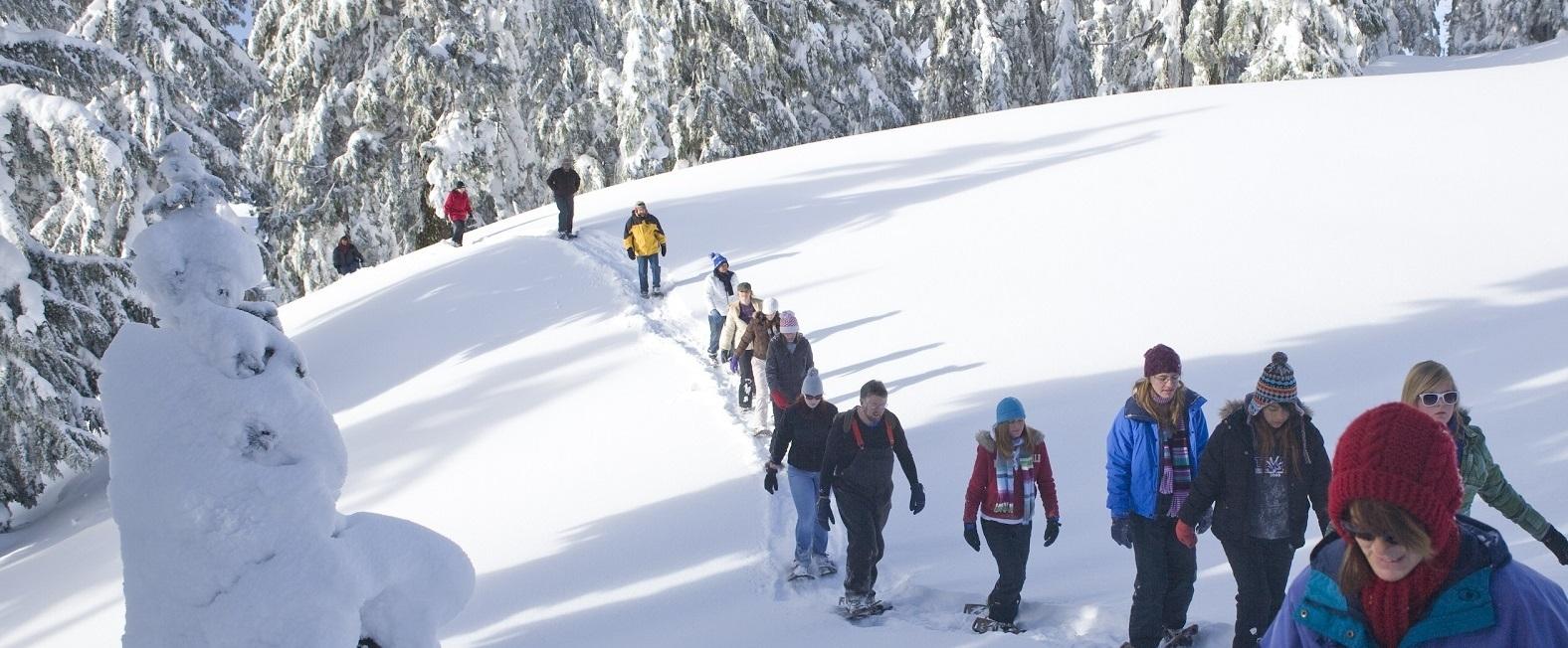 Celodenní dobrodružná výprava na sněžnicích
