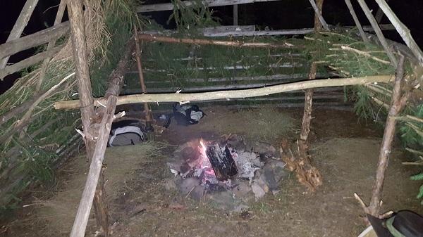 Kurz přežití v divočině: Oheň a přístřeší