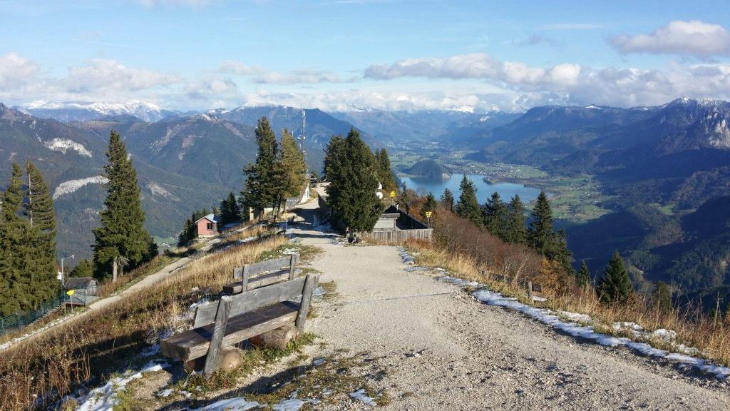 Alpská jezera, hora Schafberg a Zwolferhorn