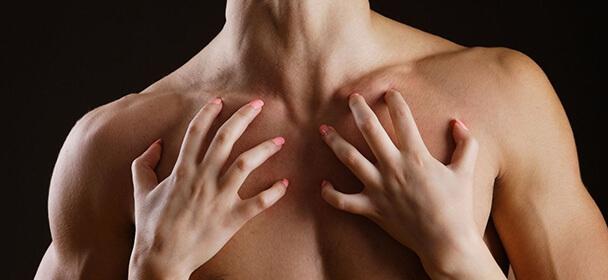 Celotělová smyslná olejová masáž včetně koupele